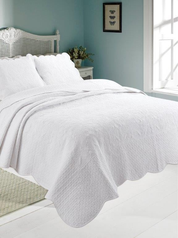 Antique White Quilted Coverlet- size width 130cm x 155cm length