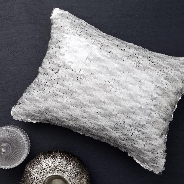 Caviar Silver Cushion by Private Collection