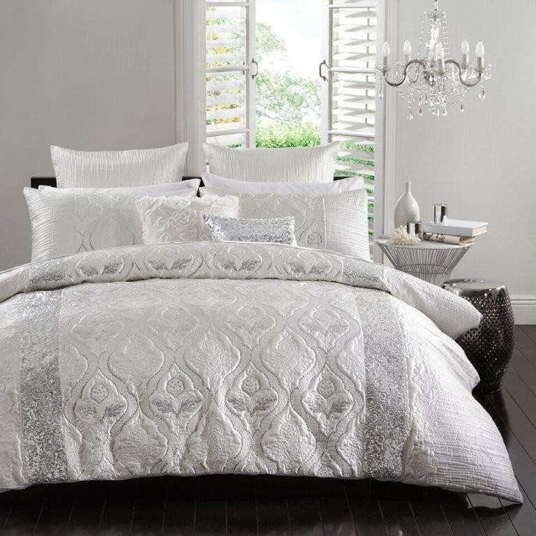 Lopez Silver By Logan Amp Mason Quilt Covers Best Price