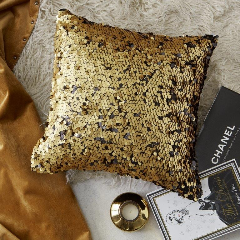 Minnelli Gold Square Cushion by Da Vinci Private Collection