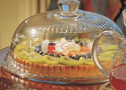 077 - Pastry Server with Dome by Princess House