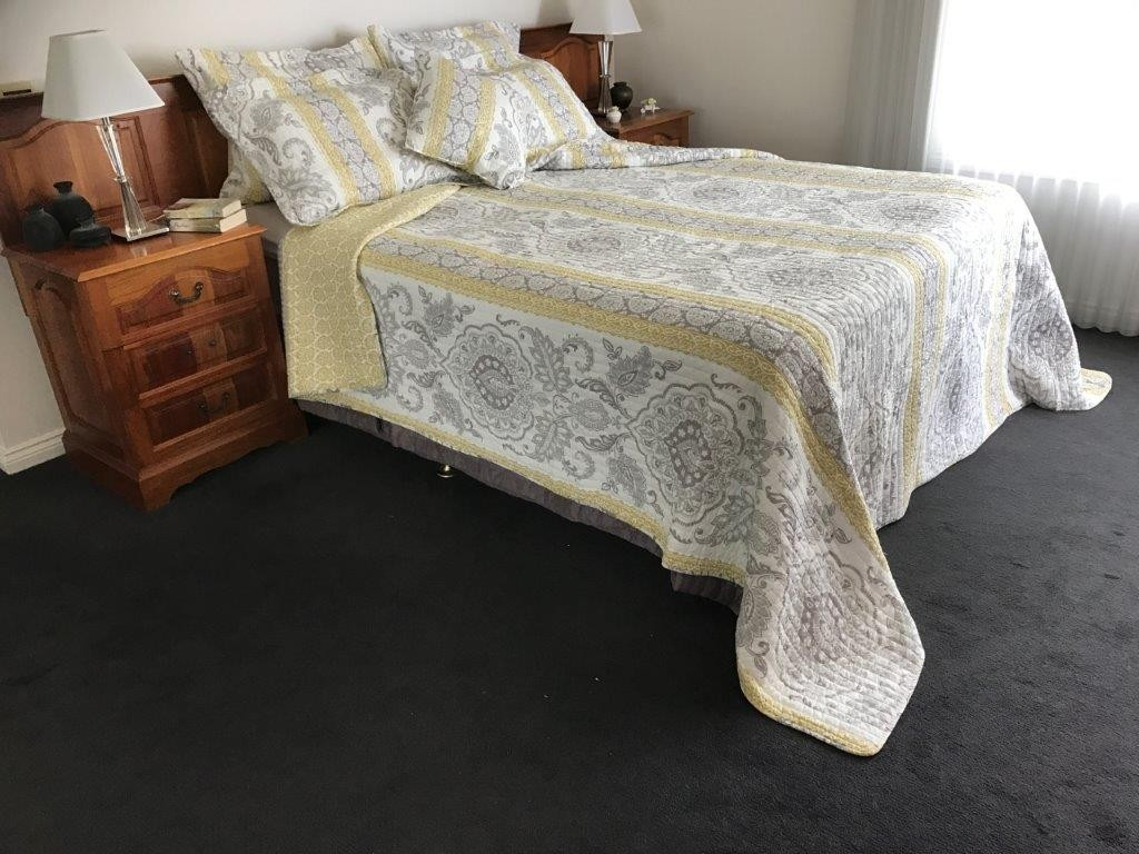 St Clair King bed Quilted Coverlet including 2 Pillowcases - size width 265cm x length 240cm