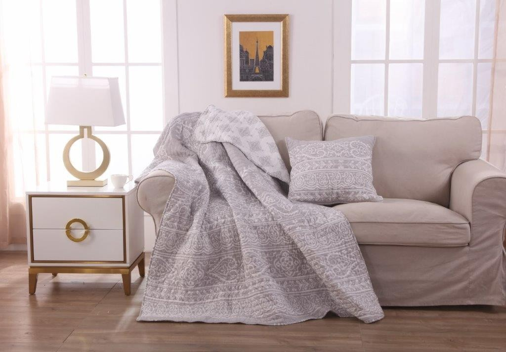 Tranquil Throw Rug & Free Cushion