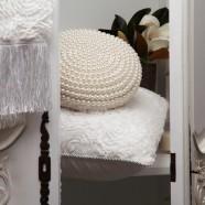Antoinette Pearl Round Cushion by Da Vinci Private Collection